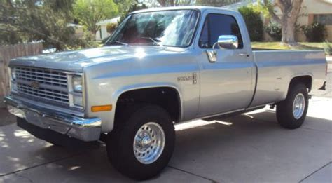 find   chevy  custom deluxe silver