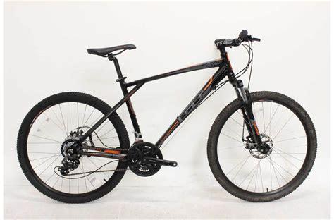 gt aggressor comp  mountain bike size   demo