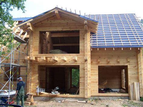 l auto construction d une maison traditionnelle ou bois news immo