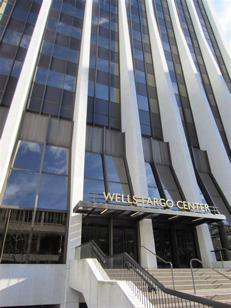 Wells Fargo Center, Portland, Or 2012.jpg