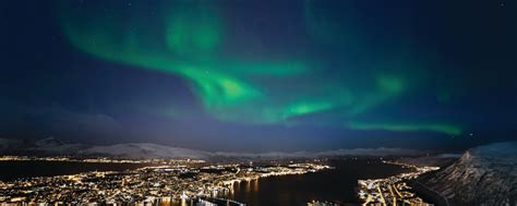 tromso norway northern lights tour see the northern lights in tromso norway