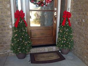 47, Perfect, Diy, Front, Porch, Christmas, Tree, Ideas, On, A, Budget