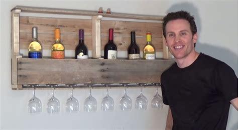 comment fabriquer un support mural 224 bouteilles de vin 224 partir d une palette de bois a cr 233 er