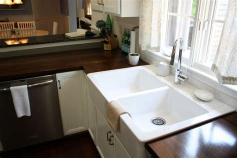 White Farmhouse Sink Menards by 17 Best Ideas About Ikea Farmhouse Sink On
