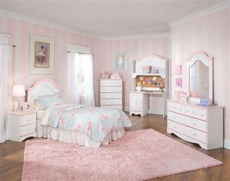 tips for pink bedroom furniture