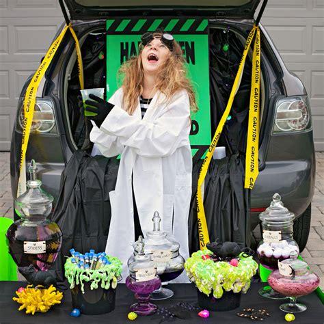 trunk  treating    halloween trend
