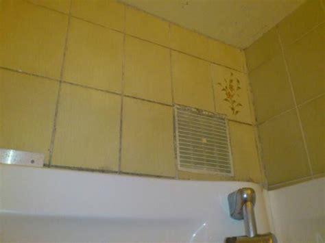 grille aeration chambre carrelage moisi et grille d 39 aération jamais nettoyée