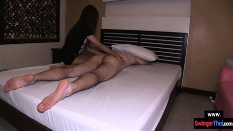 round ass amateur thai massage girl provides the happy end