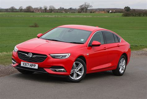 vauxhall insignia grand sport vauxhall insignia grand sport review 2017 parkers