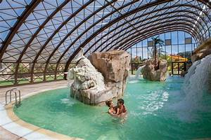 un parc aquatique de 10 000 m2 camping 5 la sirene With camping en france avec piscine couverte