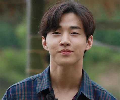 Henry Lau Biography - Facts, Childhood, Family Life ...