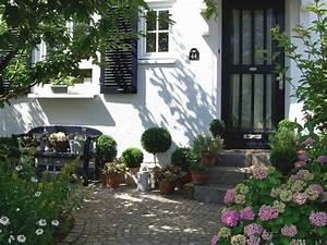 Eingangsbereich Haus Neu Gestalten : der vorgarten die visitenkarte des hauses ruhr nachrichten ~ Lizthompson.info Haus und Dekorationen