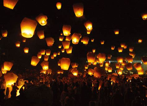 lanterns in the sky us news appeal sky lanterns on new year