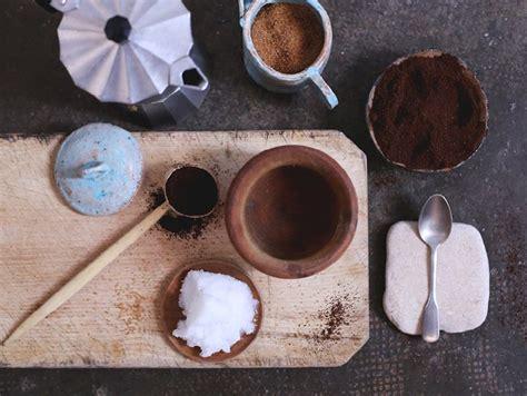 Mix the coffee and brown sugar in a bowl; The Slowpoke: COFFEE, BROWN SUGAR + COCONUT OIL SCRUB // #homemade #natural #body #scrub Photo ...