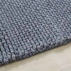 Teppich Aus Wolle : teppich aus gewebter wolle in anthrazitgrau 140x200 athenee maisons du monde ~ A.2002-acura-tl-radio.info Haus und Dekorationen