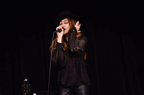 """Juju、新アルバム『i』先行試聴会でサプライズ生歌唱 「いろんな""""アイ""""の曲を作りたいと思った」"""