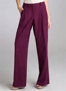 Pleated Wide-Leg Pant
