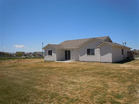 "Trustidaho  ""like New"" Hud Home For Sale"