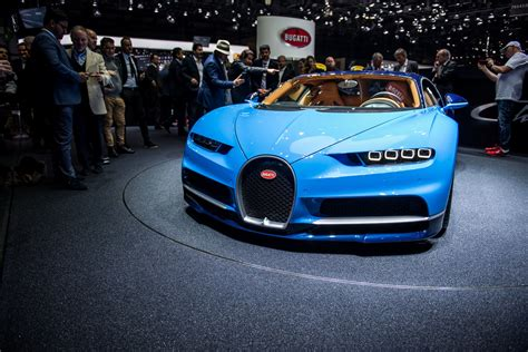 It is the first supercar to break the 300 mph barrier. 2018 Bugatti Chiron Review - Top Speed