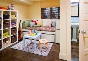 Möbel Für Kleine Kinderzimmer : spielecke im kinderzimmer einrichten 45 bunte ideen ~ Michelbontemps.com Haus und Dekorationen
