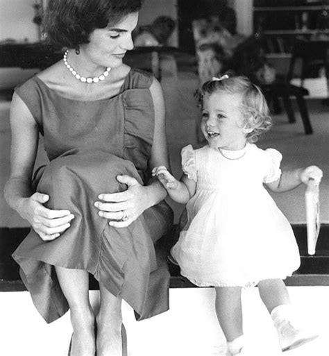 jackie kennedy redesigned engagement ring the adventurine