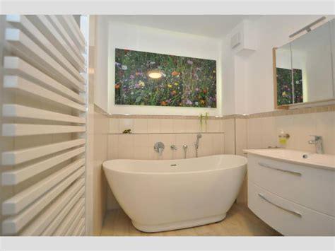Badezimmer Ideen Badewanne by Badezimmer Ideen Mit Freistehende Badewanne Sanitas Aus Acryl
