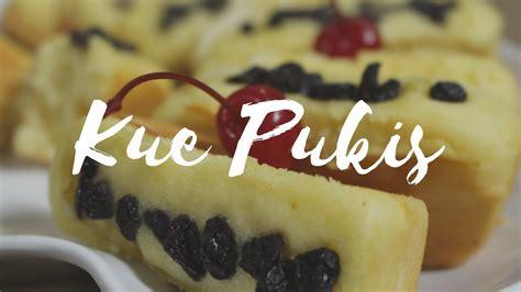 Jika berbicara kue pukis, kue ini dapat dikatakan sebagai kue yang dibuat dari modifikasi kue wafel dan adonan kue cara bikang. Resep Cara Membuat Kue Pukis Empuk Enak Dan Mudah - YouTube