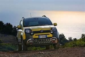 Nouvelle Fiat Panda : fiat panda cross double personnalit 4x4 et citadine les voitures ~ Maxctalentgroup.com Avis de Voitures