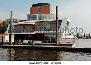 Floating Homes Hamburg : houseboat in the hafencity germany hamburg stock photo royalty free image 76146402 alamy ~ Frokenaadalensverden.com Haus und Dekorationen