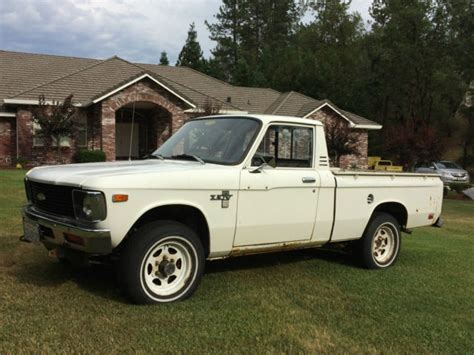 chevy luv pickup truck short bed  wheel drive