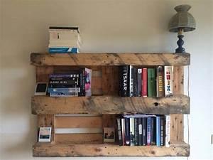 30 DIY Pallet Bookshelf Plans & Instructions