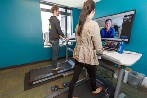 seattle u help desk people on treadmills