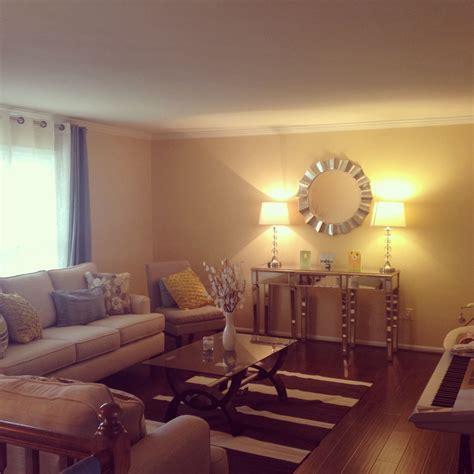 split level living room decoration  put  mirror
