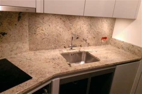 granit plan de travail cuisine plan de travail granit pour votre cuisine et salle de bain