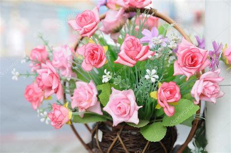 foto fiori bellissimi bellissimi fiori in cestino foto stock 169 ekarina 63717527