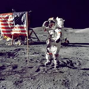 Neil Armstrong On the Moon - Pics about space