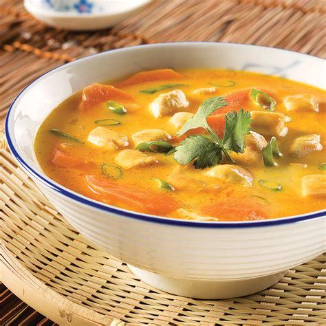 cuisine thailandaise poulet soupe thaïlandaise au poulet et coriandre recettes