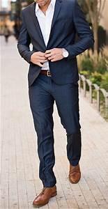 Blauer Anzug Schuhe : wie kombiniert man braune schuhe als mann ~ Frokenaadalensverden.com Haus und Dekorationen