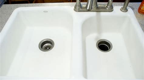 Deodorize Bathroom Sink Drain by 1000 Ideas About Smelly Drain On