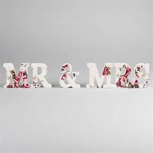 Mr Mrs Deko Buchstaben : dekofieber online shop buchstaben mr mrs flower print rot rosa ~ Markanthonyermac.com Haus und Dekorationen