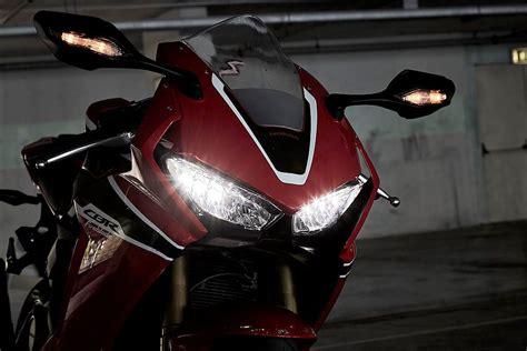 Honda Cb150r Streetfire Images In 1080p by 2017 Honda Cbr1000rr Fireblade
