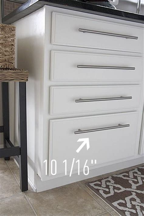 how make kitchen cabinets best 20 kitchen cabinet pulls ideas on 4365