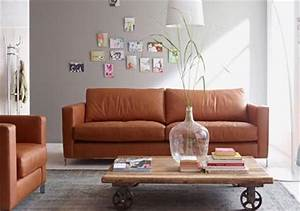 Couch Leder Cognac : elegante sofas couch aus leder in cognacbraun bild 5 living at home ~ Frokenaadalensverden.com Haus und Dekorationen