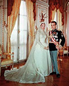 The 15 best royal wedding dresses of all time martha for First time wedding photographer