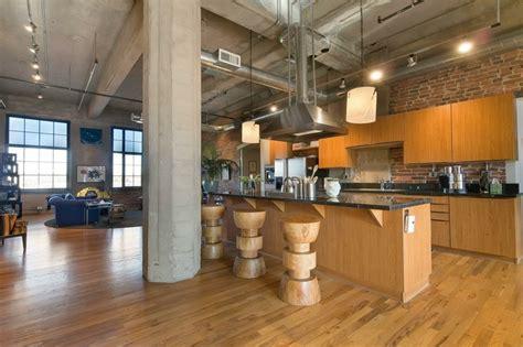 petites cuisines ouvertes cuisine avec bar en styles variés pour un intérieur convivial