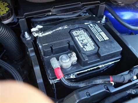 batterie ford focus leaking battery might want to check yours