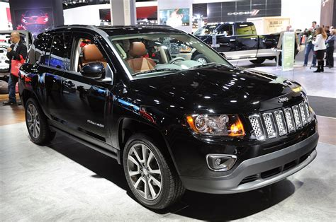 2014 Jeep Compass/patriot Sing Their Swan Songs With A Six