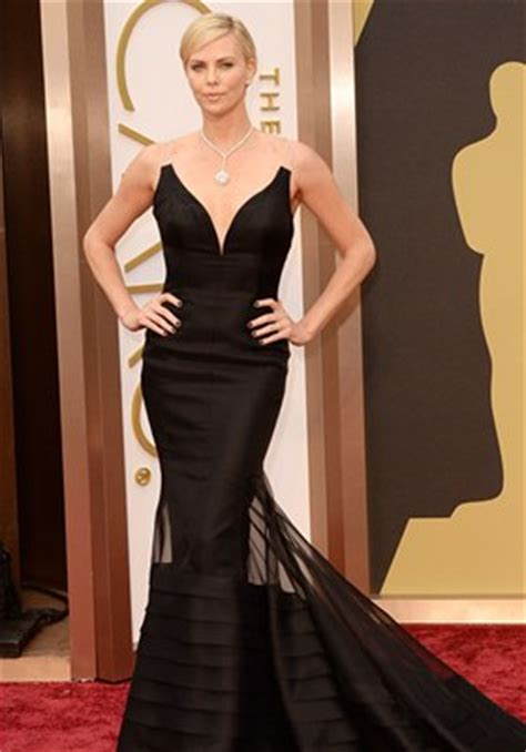 charlize theron body measurements height weight bra size