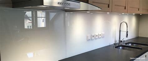 cuisine blanc laqué verre laqué sur mesure couleurs au choix professionnel