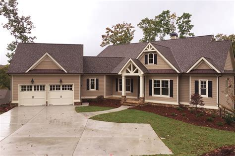 Craftsman Style House Plan   3 Beds 2.5 Baths 2651 Sq/Ft